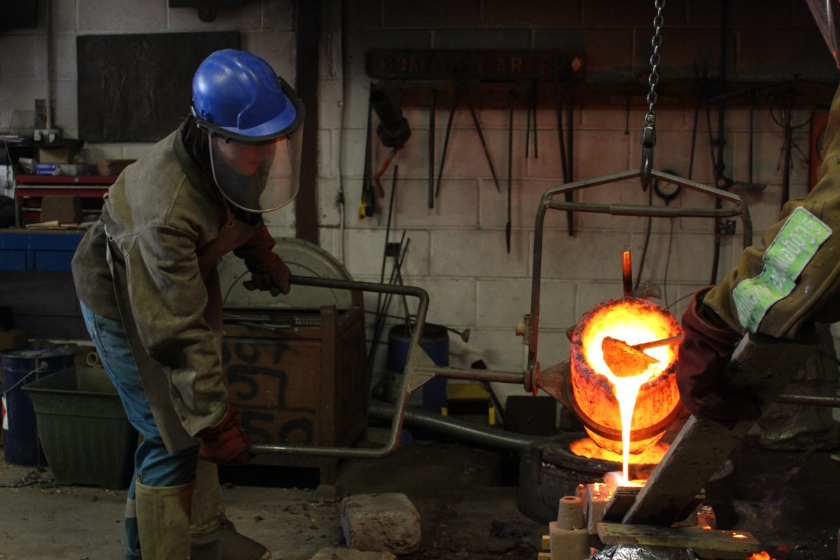 Bronze pour in the SSW foundry